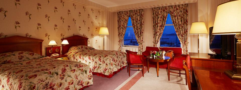 最上階は、国内最大級のルーム数を誇るローラ アシュレイフロア