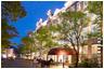 ハウステンボスの中心に建つテーマパーク内唯一のホテル
